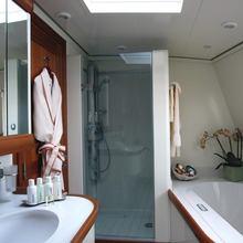 M5 Yacht Bath & Basin