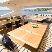 Regulus Yacht Flybridge Dining