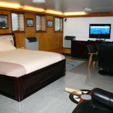 Sarsen Yacht Guest Stateroom - Neutral