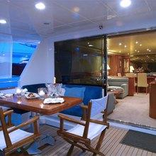 Famous V Yacht