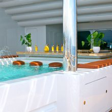 Horizons III Yacht Wet Bar