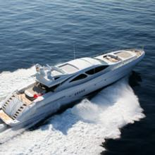 Voyage Yacht Running Shot - Rear View