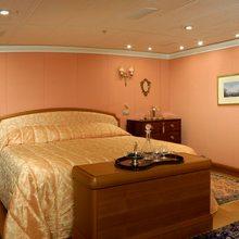 M5 Yacht VIP Stateroom