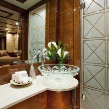 BB Yacht Bathroom - Detail