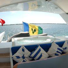Caprice Yacht Bridge Jacuzzi