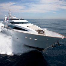 Strega Yacht Running Shot - Bow