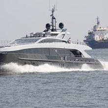 Tee-Dje Yacht Running