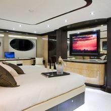 Veneta Yacht Master Stateroom - Screen