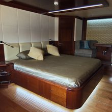 Emerald Yacht