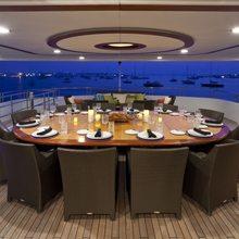 BB Yacht Skylounge Alfresco Dining