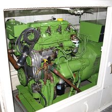 Paradis Yacht Engine Room