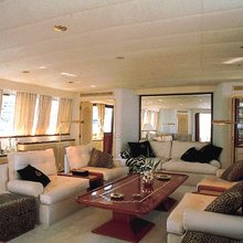 Paradis Yacht Salon