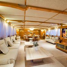 Vela Yacht Salon