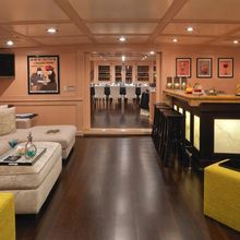 Voyager Yacht Bar