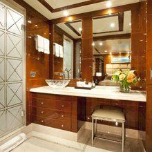BB Yacht Guest Bathroom