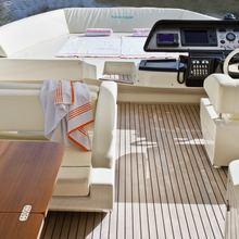 Namedropper Yacht