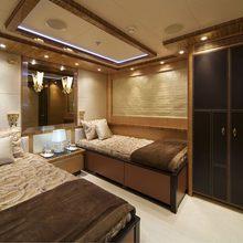 Hokulani Yacht Twin Stateroom