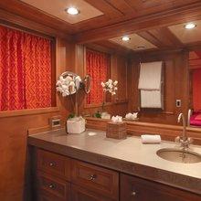 Voyager Yacht VIP Bathroom 2