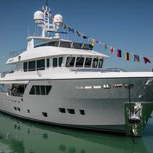 Hvalross Yacht