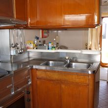 Paradis Yacht Galley - Detail