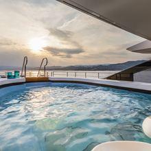 Suerte Yacht Swimming Pool