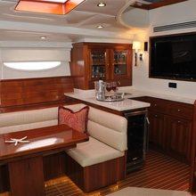 Falcon Yacht
