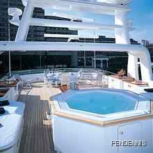 Moatize Yacht