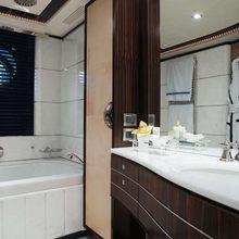 Caoz 14 Yacht VIP Bathroom