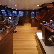 Sea Eagle Yacht PIlothouse