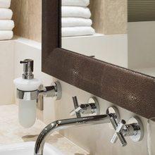 Maxima Star Yacht Bathroom - Detail