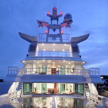 V6 Yacht