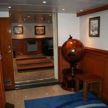 Sarsen Yacht Detail - Globe