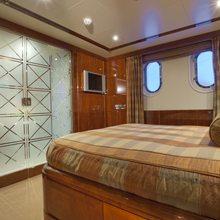 BB Yacht Stateroom - Bathroom Doors Closed