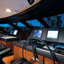 Caoz 14 Yacht Bridge - Night