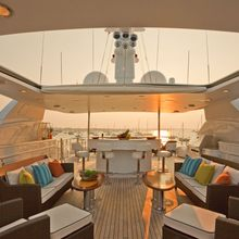 BB Yacht Sundeck Seating - Hard Top Retracted