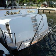 Island Seeker Yacht