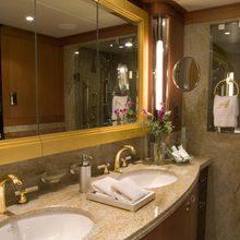 Reef Chief Yacht Guest Bathroom