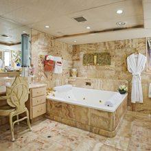 FAM Yacht Master Bath