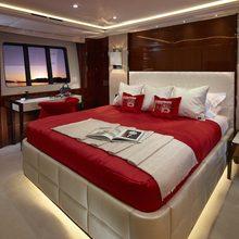 X5 Yacht