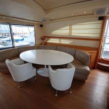 Tuttinoi Yacht