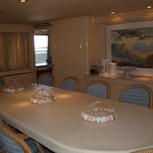 Paradis Yacht Dining Table