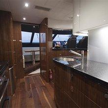 Roaming Spur Yacht