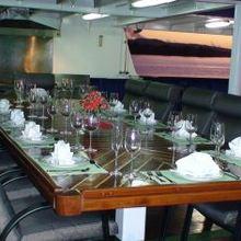 Sarsen Yacht External Dining