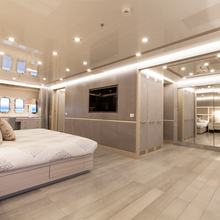 Apricity Yacht Master Stateroom