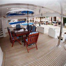 Moon Yacht