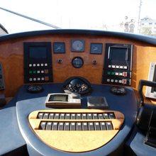 Menura M Yacht