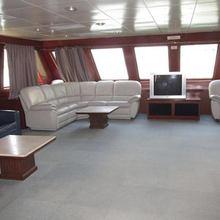 Harbour Queen Yacht