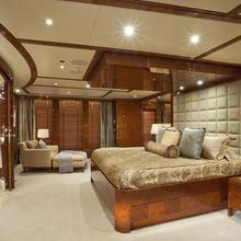BB Yacht Master Stateroom - Bathroom Door Open