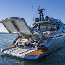 Pershing 8X / 01 Yacht