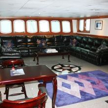Sarsen Yacht Lounge